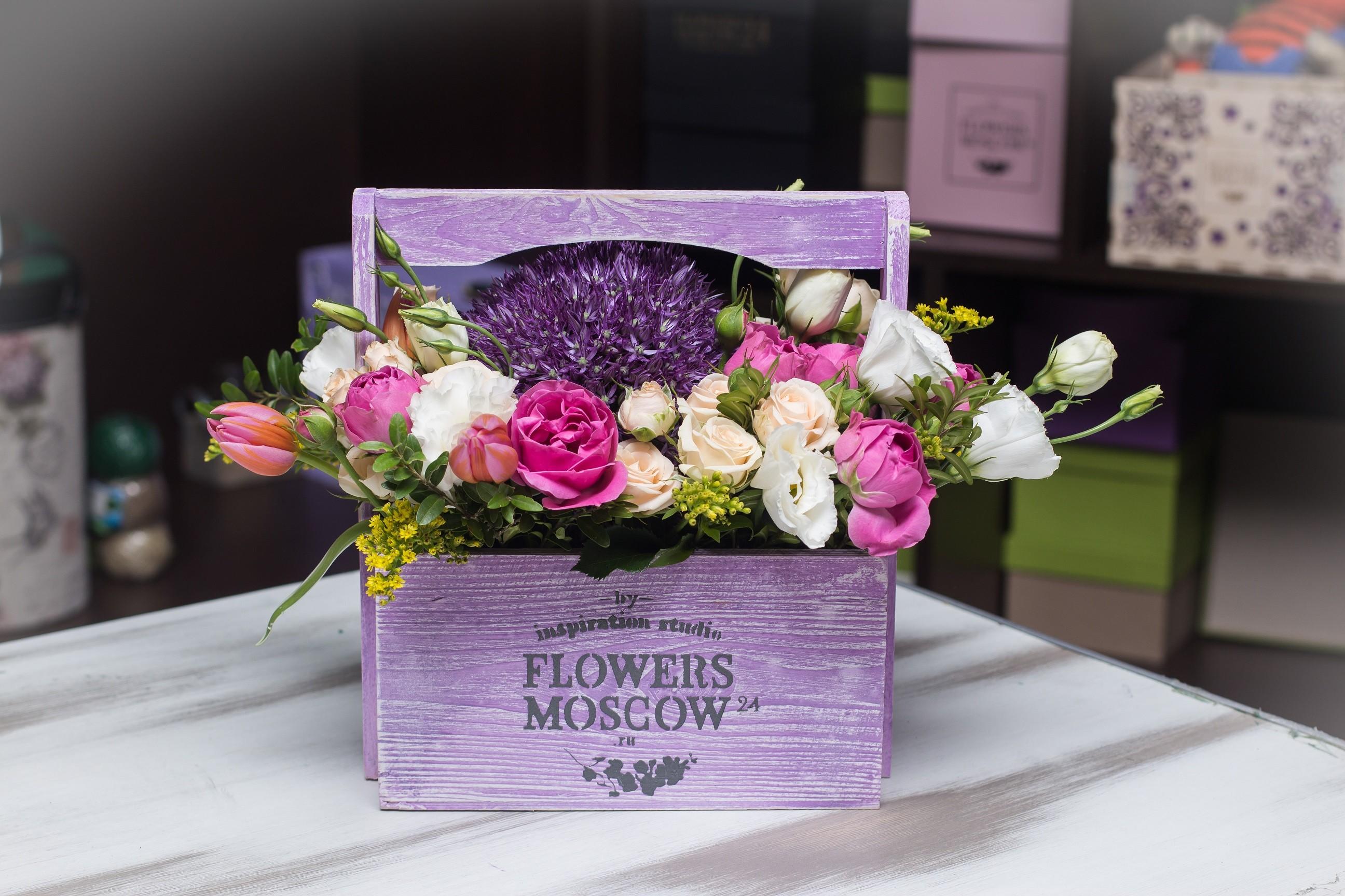 Композиция Цветы в ящике Royale №134